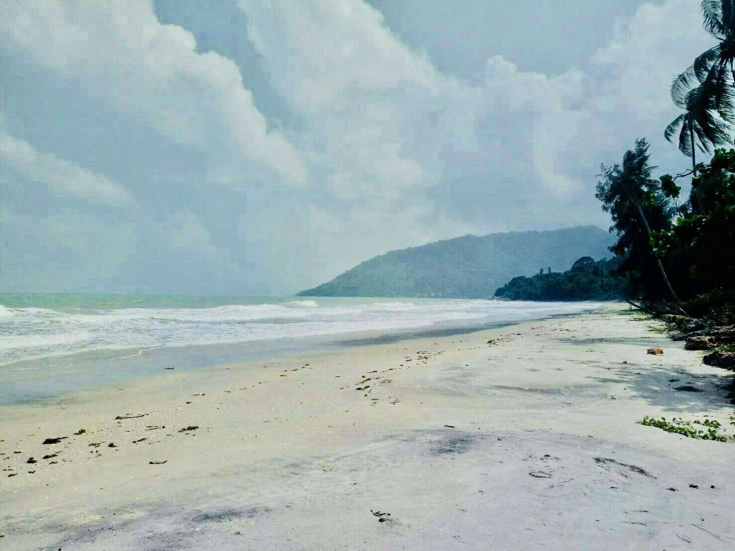 ขายที่ดินชายทะเล-สวยมาก-เนื้อที่-4-ไร่-40-ตารางวา-ติดถนนเลียบชายหาด-21-เมตร-ติดทะเล-70-เมตร