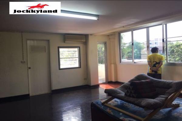 ขายอพาร์ทเม้นท์-4-ชั้นและมีชั้นดาดฟ้า-พื้นที่-112ตรว-พร้อมห้องเช่า-28ห้อง