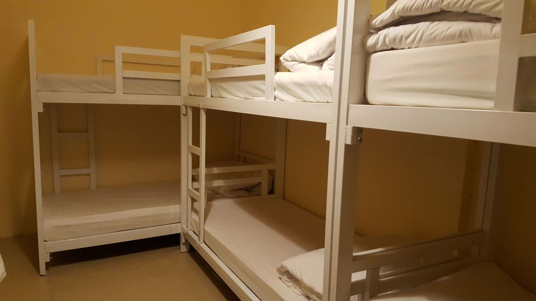 ห้องเช่ารายเดือน-ห้องพักสวยและสะอาดพร้อมเครื่องปรับอากาศ-บางรัก-กรุงเทพมหานคร