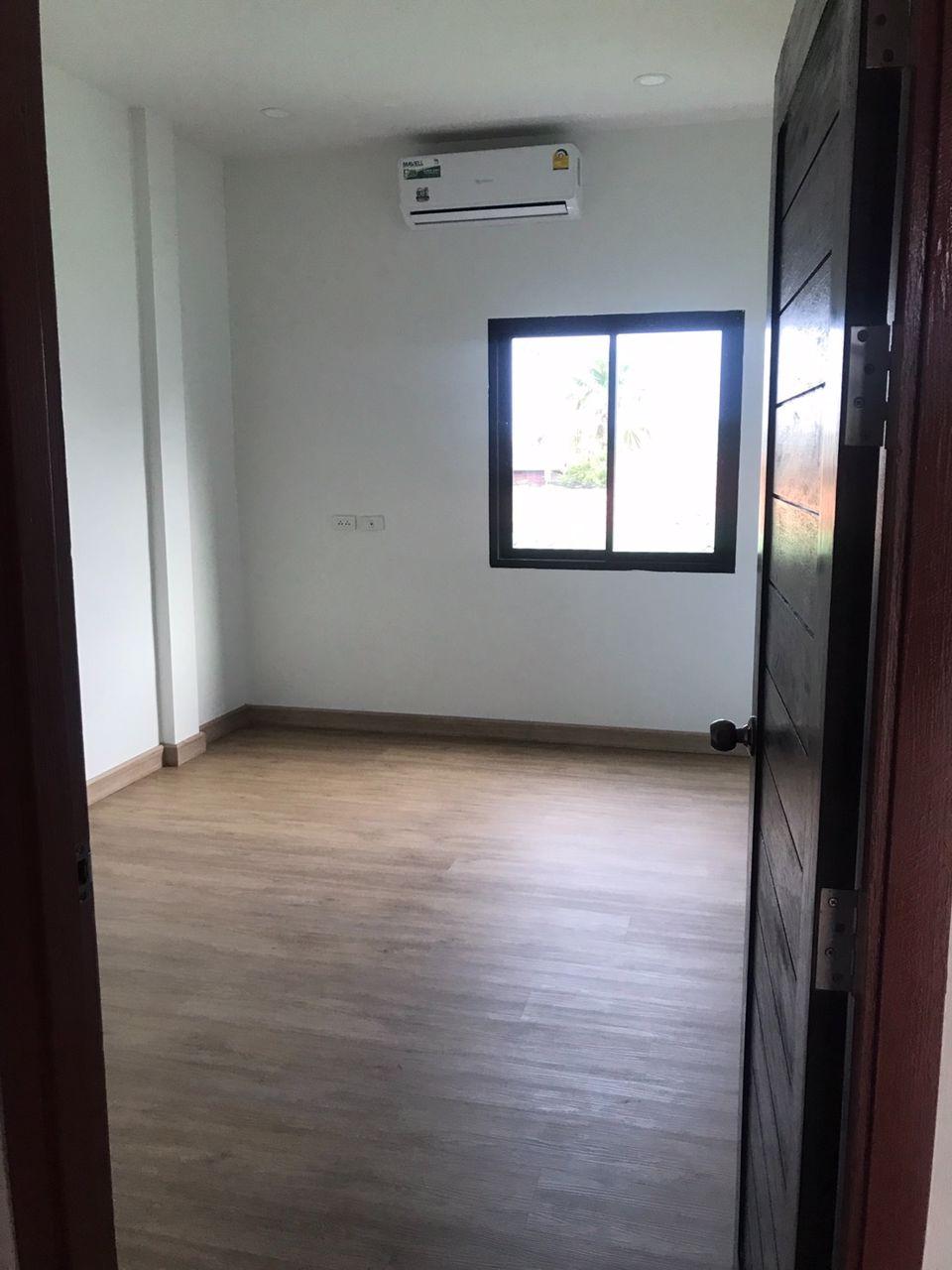 2-storey-townhome-2-bedroom-2-bathroom-best-location-central-of-hua-hin-200-meters