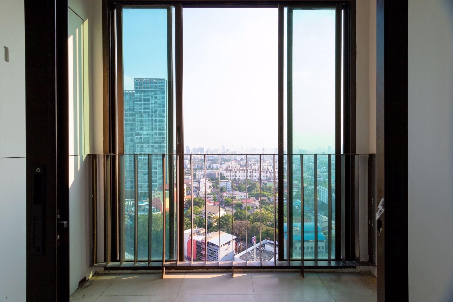 ขายด่วนคอนโด-ideo-ลาดพร้าว-5-ชั้น21-ห้องมุม-วิวสวย-ใจกลางเมือง-เดินทางสะดวก